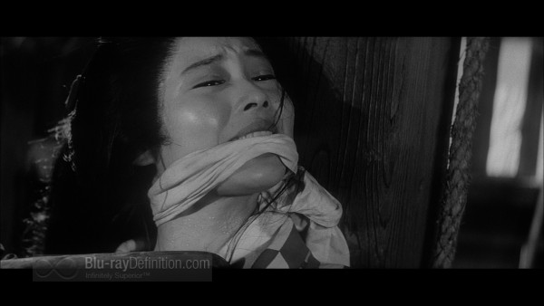 Three_Outlaw_Samurai_Criterion_02