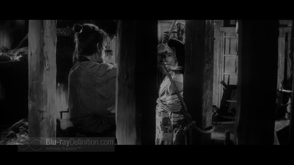 Three_Outlaw_Samurai_Criterion_04
