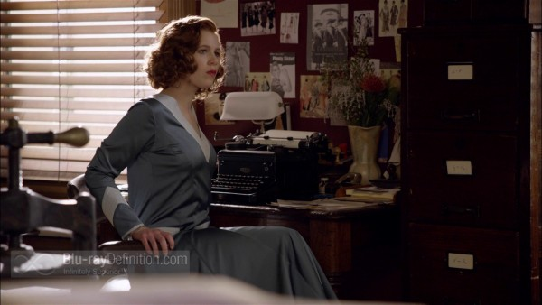 Miss-Fishers-Murder-Mysteries-S1-BD_16