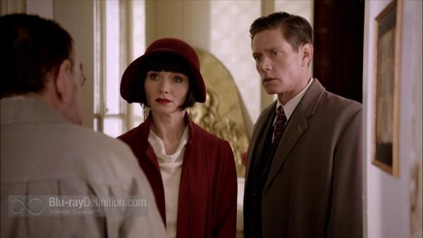 Miss-Fishers-Murder-Mysteries-S1-BD_21
