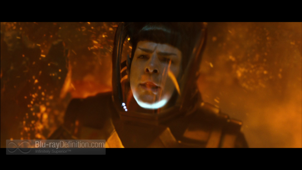 Star-Trek-Into-Darkness-3D-BD_02