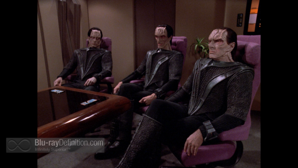 STTNG-Chain-of-Command-BD_10